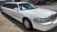White 8 passenger Lincoln Limo Daytona Beach
